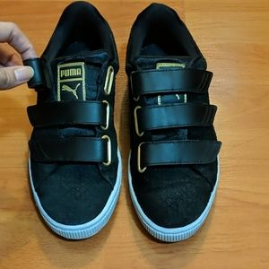 PUMA Black suede velcro sneakers